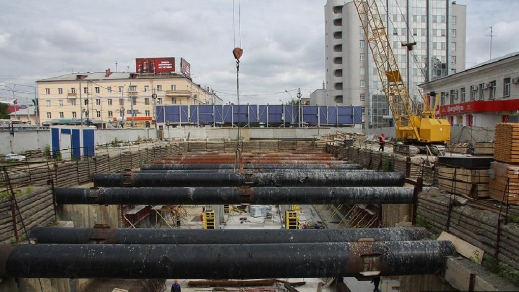 Здание над станцией метро «Бажовская» снесут до конца октября