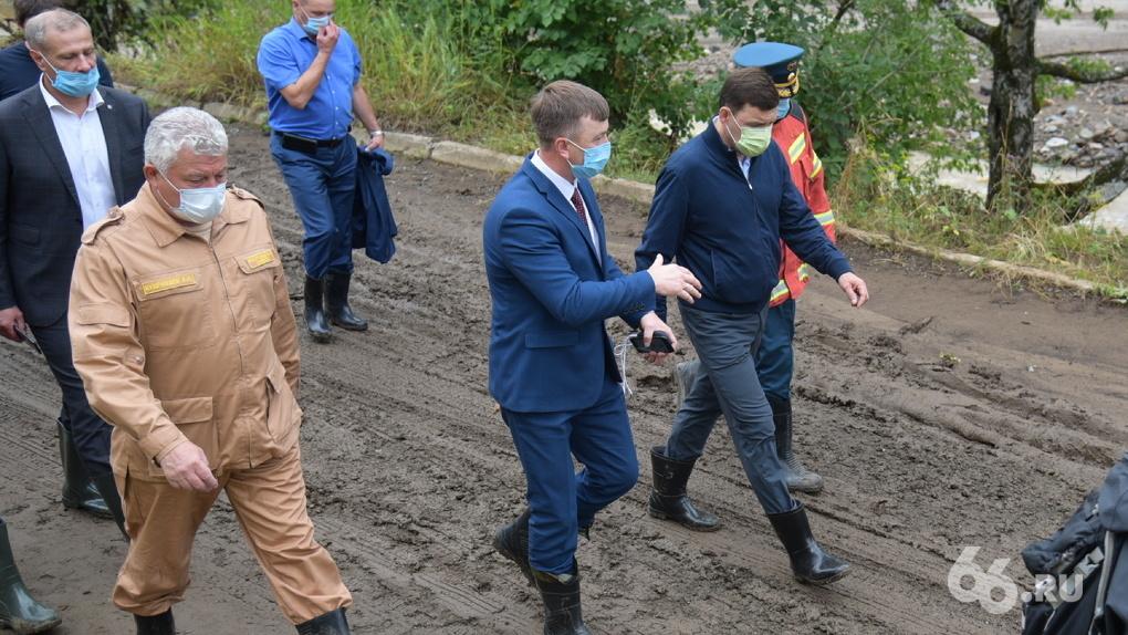 Губернатор и прокурор области приехали в Нижние Серги спустя сутки после потопа. Онлайн-репортаж