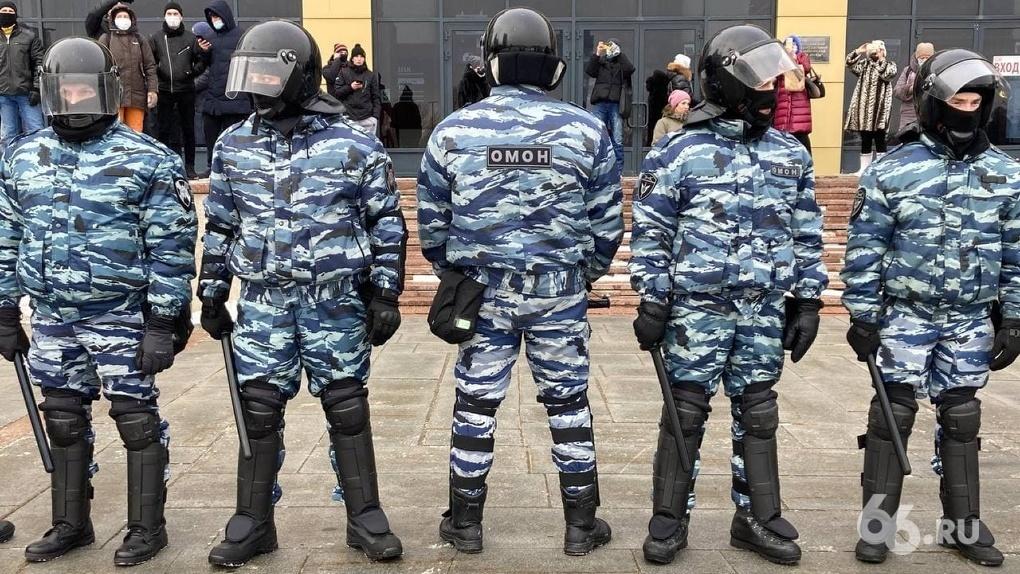 Суд признал адвоката участником марша за Навального. Юрист утверждает, что работал на акции