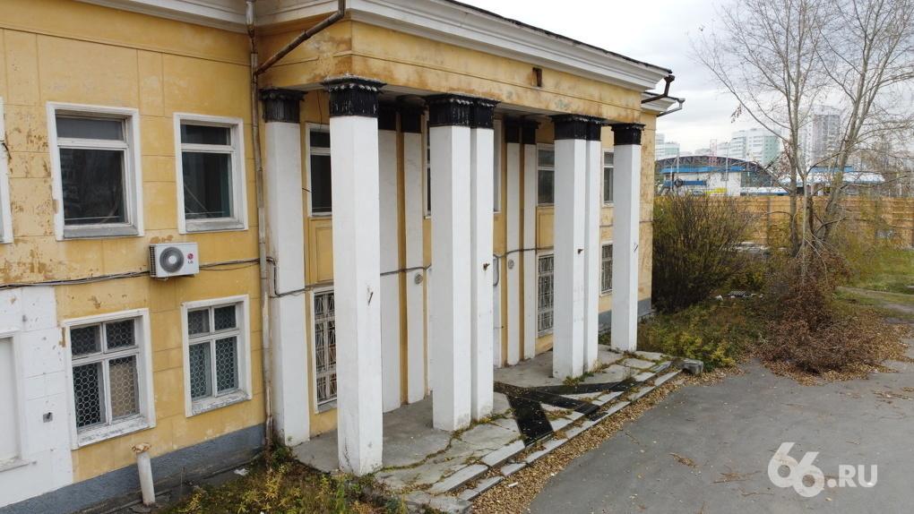 Архитектор Ельцин Центра выступил против сноса здания аэропорта «Уктус» и предложил разместить там музей