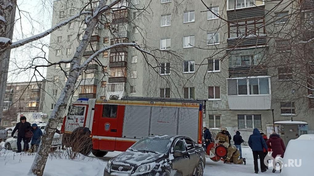 Спасатель назвал три ошибки жильцов дома на ЖБИ, где в огне погибли восемь человек