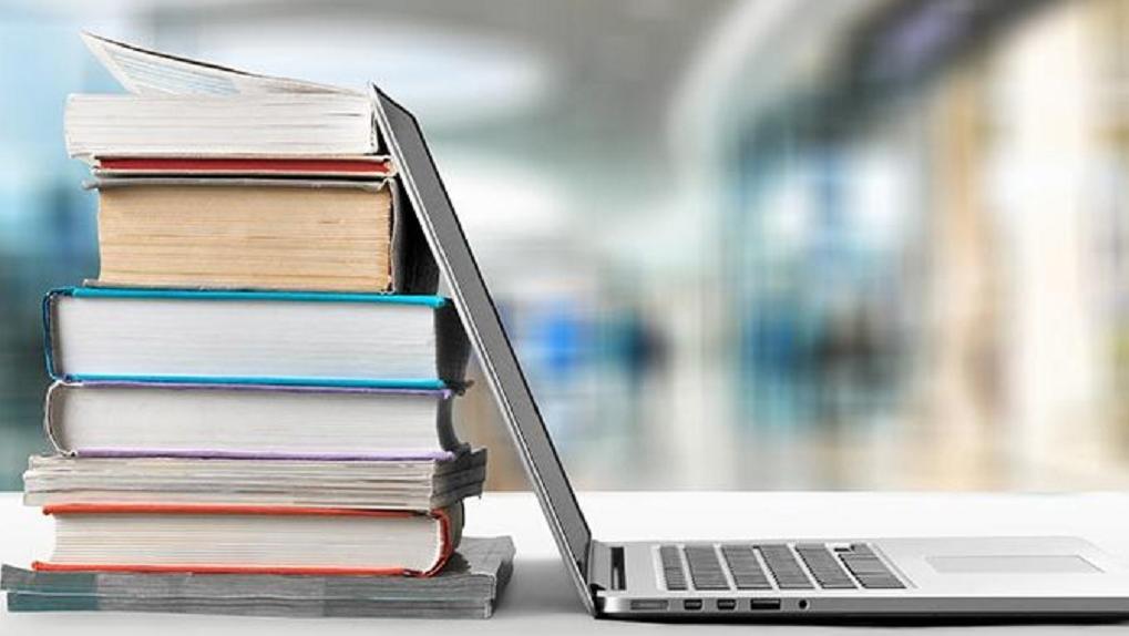 Любые книги всегда под рукой: в чем плюсы электронной библиотеки и что почитать