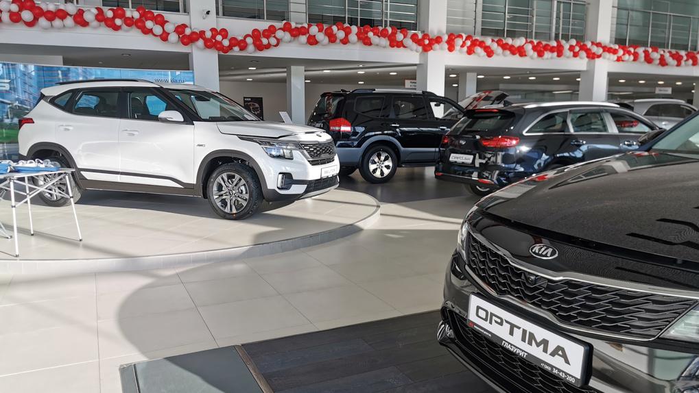 Хроника стремительного обнищания: топ-10 автомобилей на российском рынке
