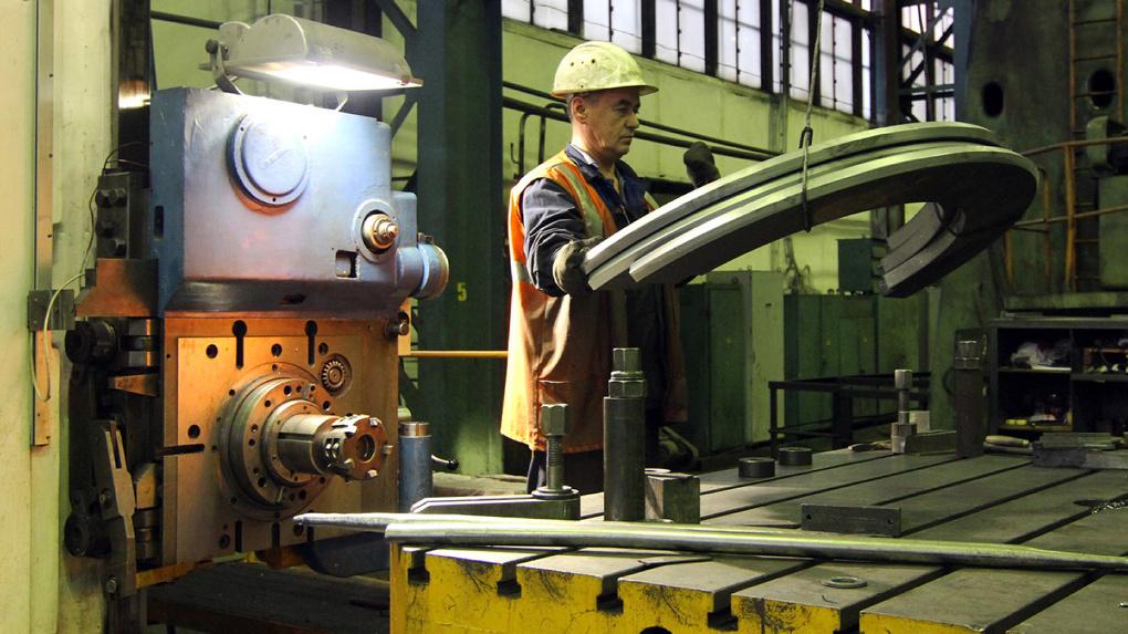 Все на завод: промышленные предприятия готовятся увеличивать численность рабочих