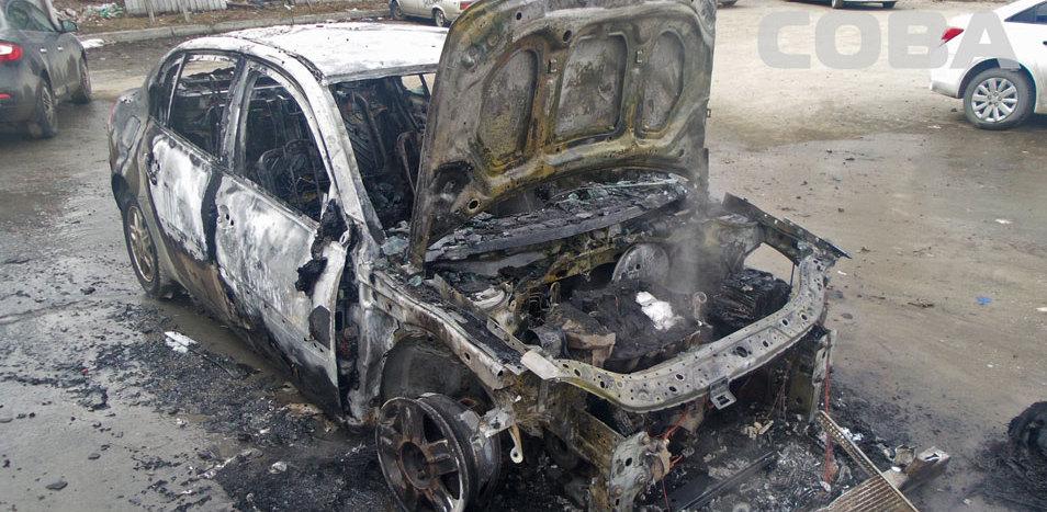 На Татищева дотла сгорел Renault Megane