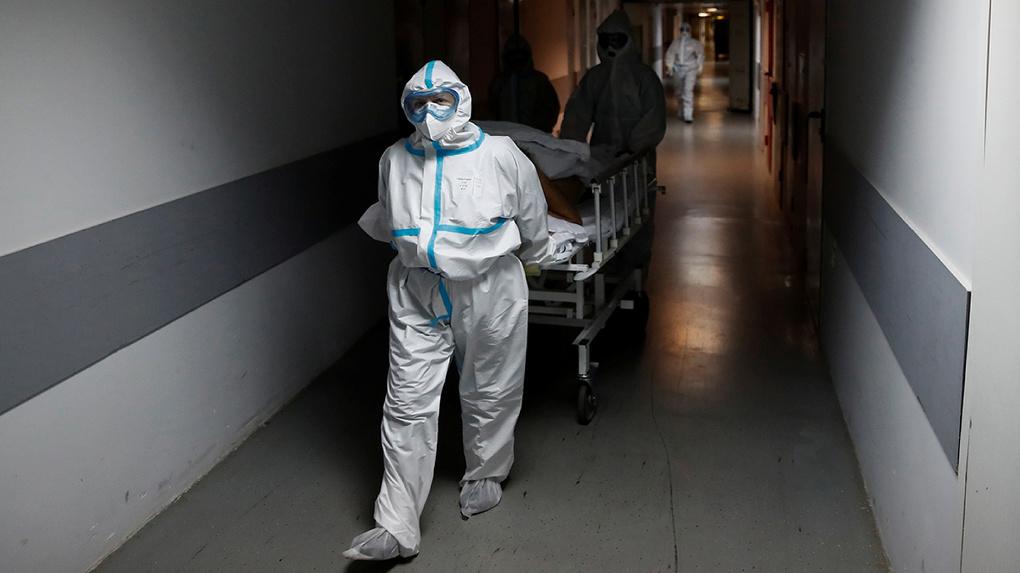 В Свердловской области зарегистрировали 261 новый случай заражения коронавирусом. Число погибших выросло