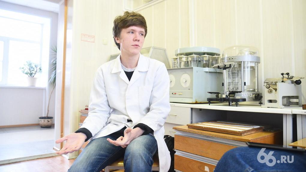 Студент-медик из Екатеринбурга изобрел аппарат, который спасет от рака. Его финансирует Игорь Алтушкин