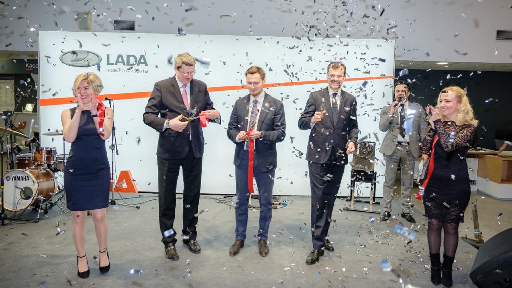 Торжественное открытие нового крупного дилерского центра «Лада Екатеринбург Север» на Шефской 116а