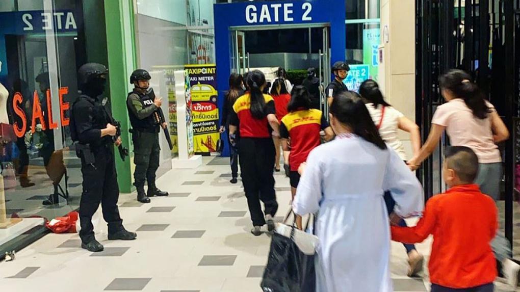 В Таиланде военный расстрелял сослуживцев и десятки посетителей торгового центра. Все, что известно