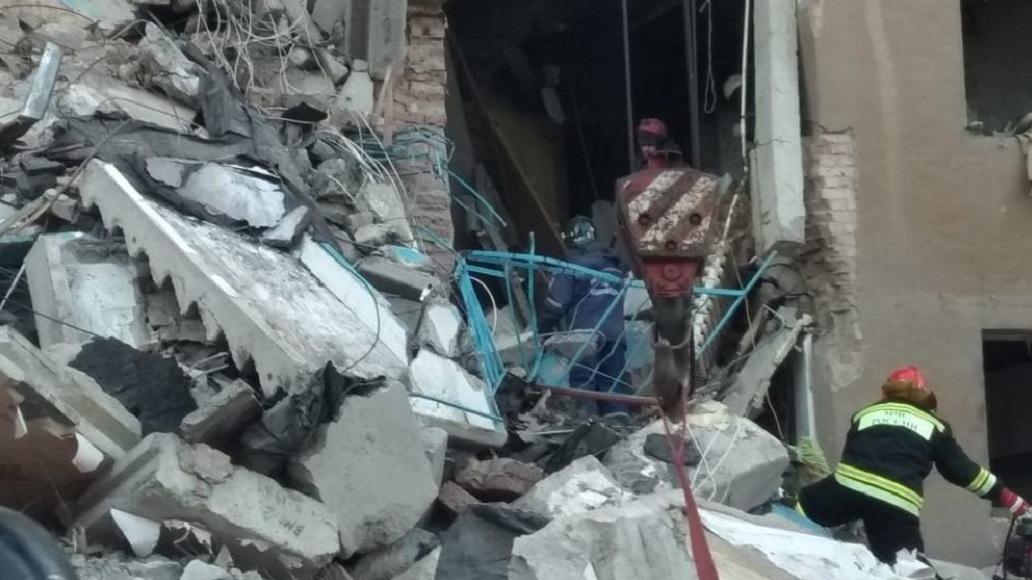 В Магнитогорске ввели режим ЧС после взрыва в жилом доме
