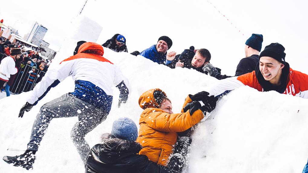 Как быстро и с минимальными потерями взять снежную крепость. Инструкция от ветеранов Афганистана
