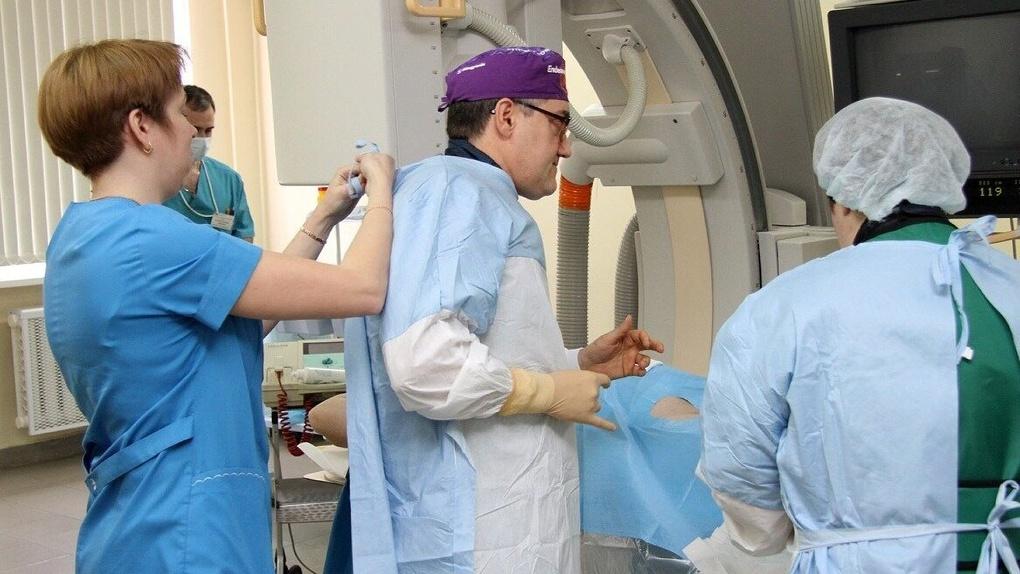 Минздрав нашел нарушения в ОДКБ № 1, где 113 врачей жаловались на зарплаты