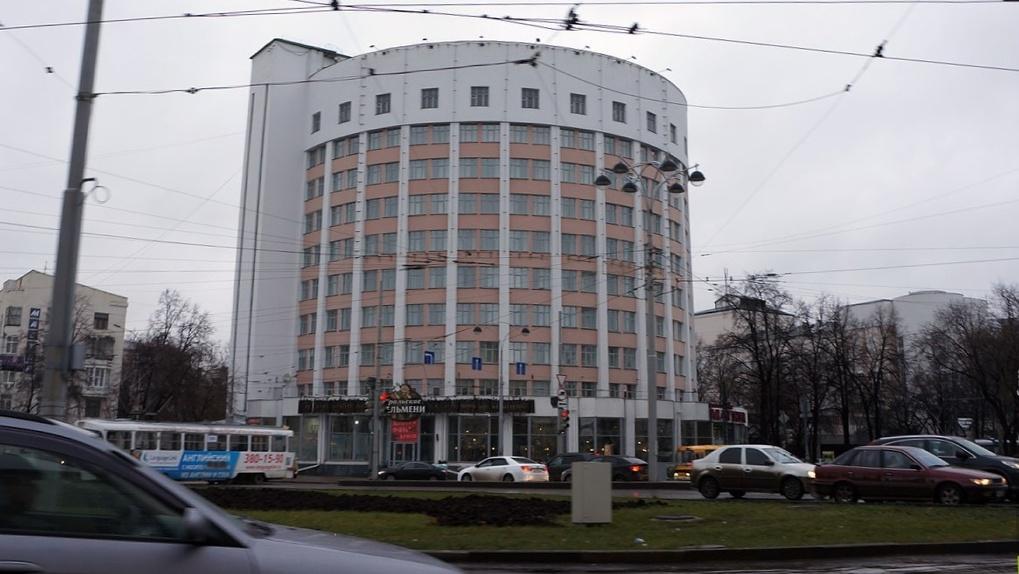 «Атомстройкомплекс» ждет торгов за право реконструировать гостиницу «Исеть». Но их не будет