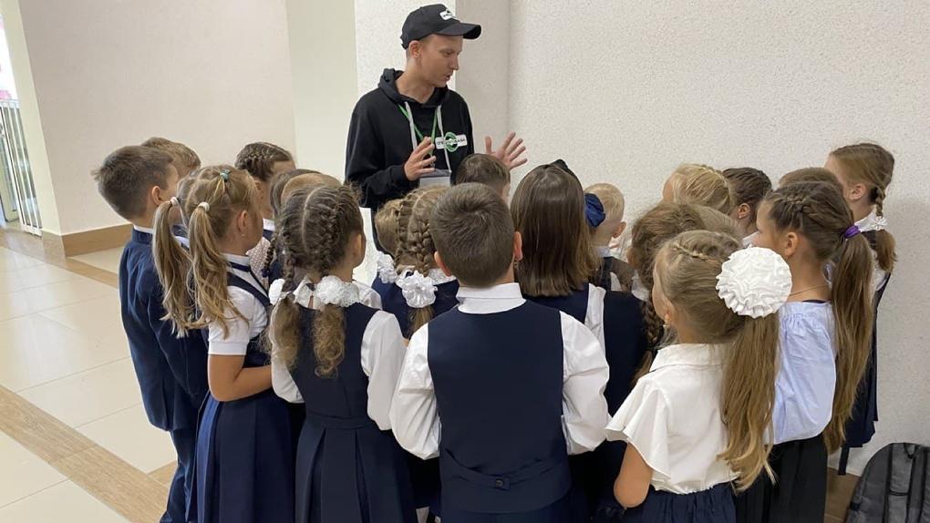 Школьников Екатеринбурга начали учить раздельному сбору мусора