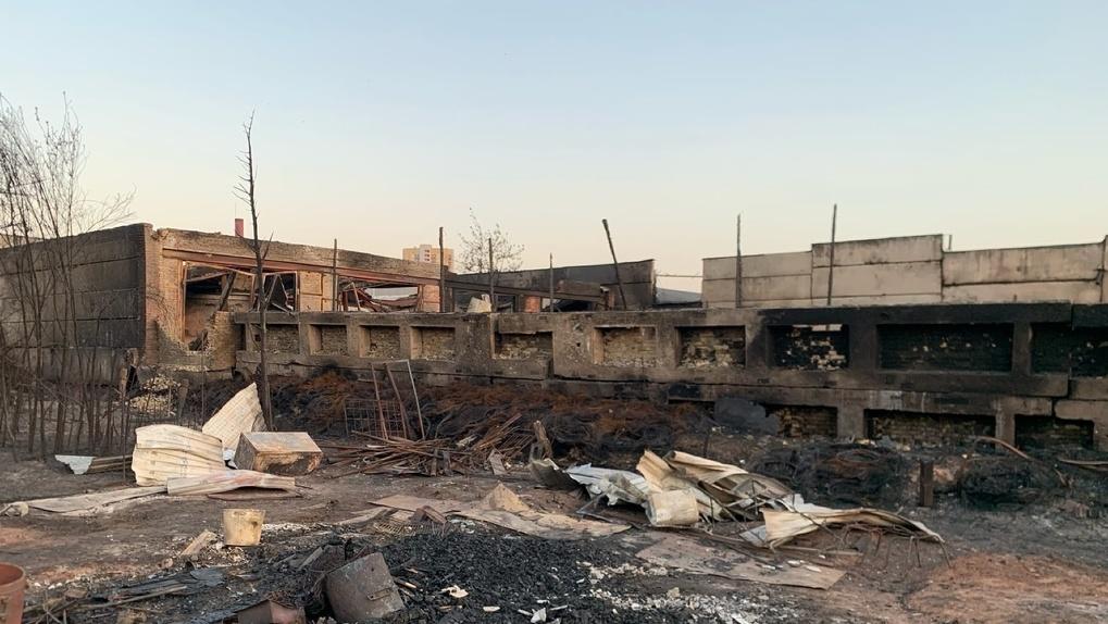 Пожар в садовом товариществе Екатеринбурга оставил четыре семьи без единственного жилья