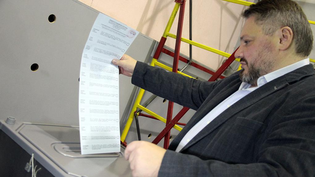 «Провально, бесполезно и даже стыдно». Антон Баков — о бойкоте губернаторских выборов