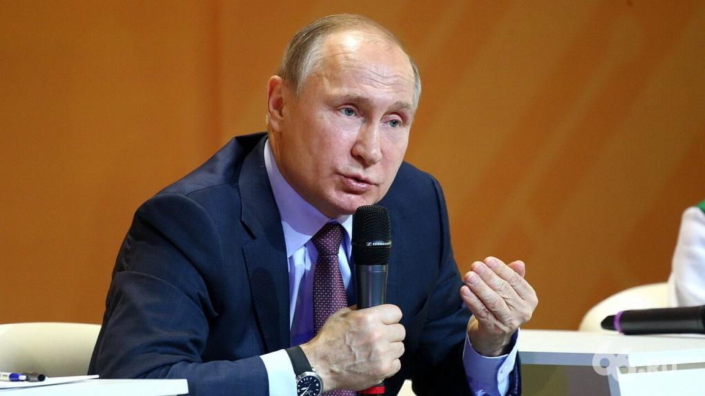 «Хотели бы отравить, вряд ли отправили бы на лечение»: Путин об обвинениях в попытке убить Навального
