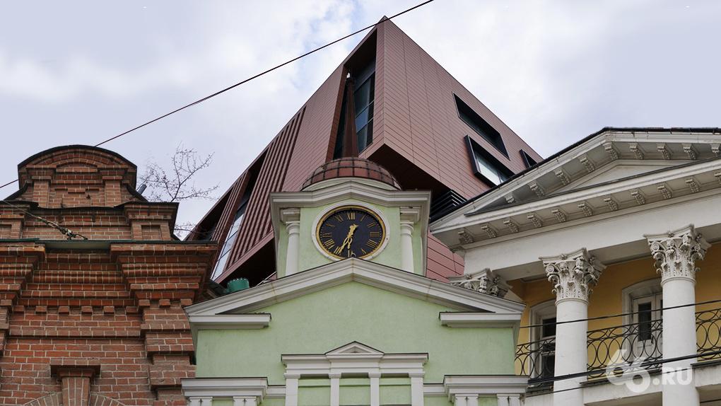 В Екатеринбурге есть улица, способная стать музеем развития архитектуры. 25 фото