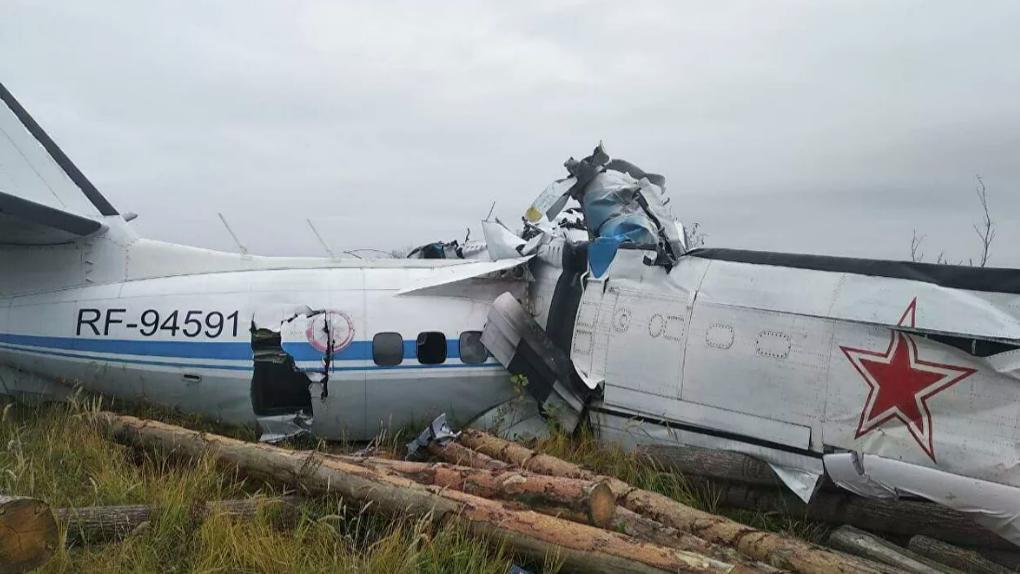 В Татарстане разбился самолет Let L-410 с парашютистами. Все, что известно об авиакатастрофе