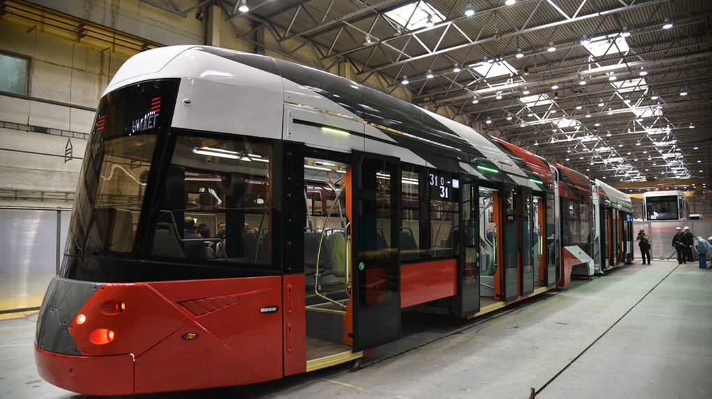 «Группа Синара» поставит в Москву почти сто новых низкопольных трамваев