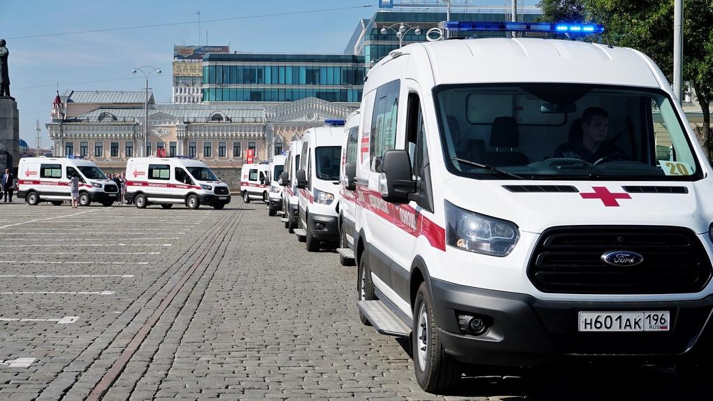 Уральские бизнесмены подарили Екатеринбургу 30 машин скорой помощи