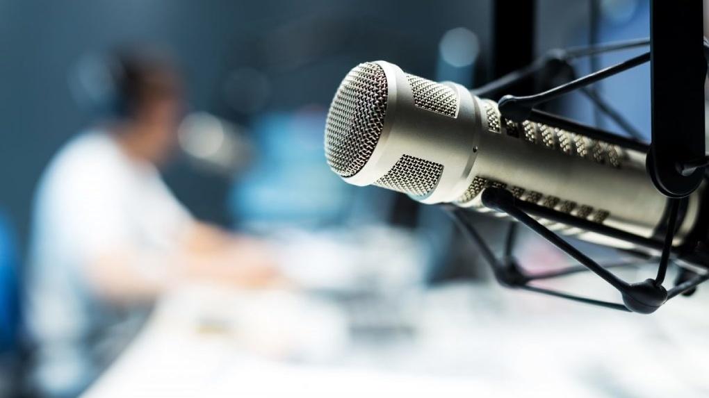 Из «говорящей головы» в парильщика: ведущий Радио Рекорд меняет профессию