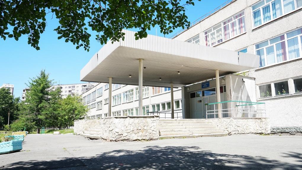 ЕГЭ на карантине: как школы города подгоняют под санитарные нормы перед главным тестом года