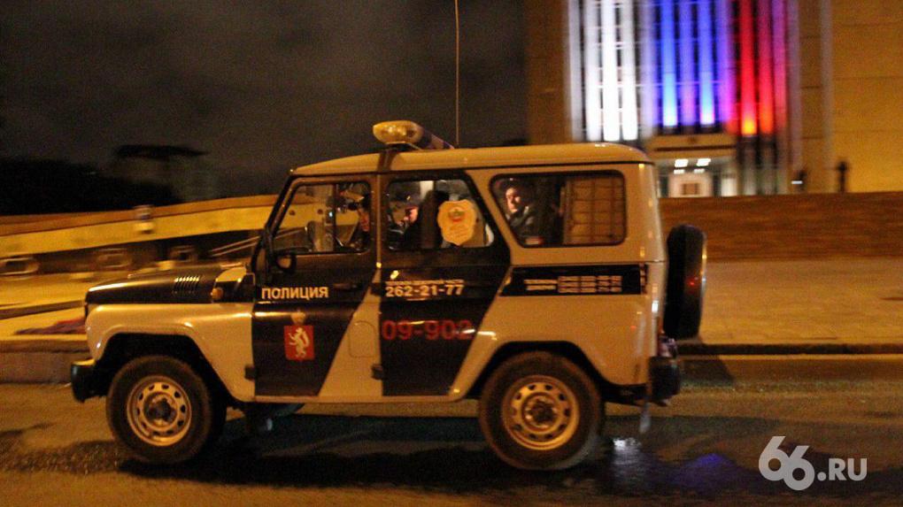 Держали 100 проституток, сжигали машины конкурентов: полиция поймала крупную группировку сутенеров