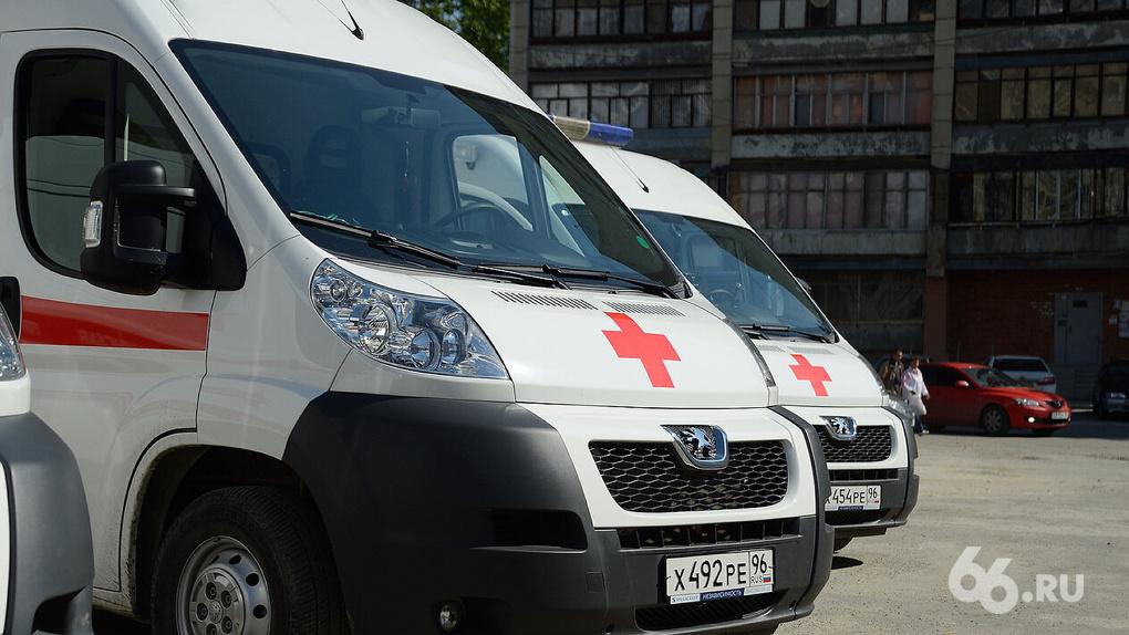 Коронавирусных вызовов скорой помощи в Екатеринбурге стало на 60% меньше