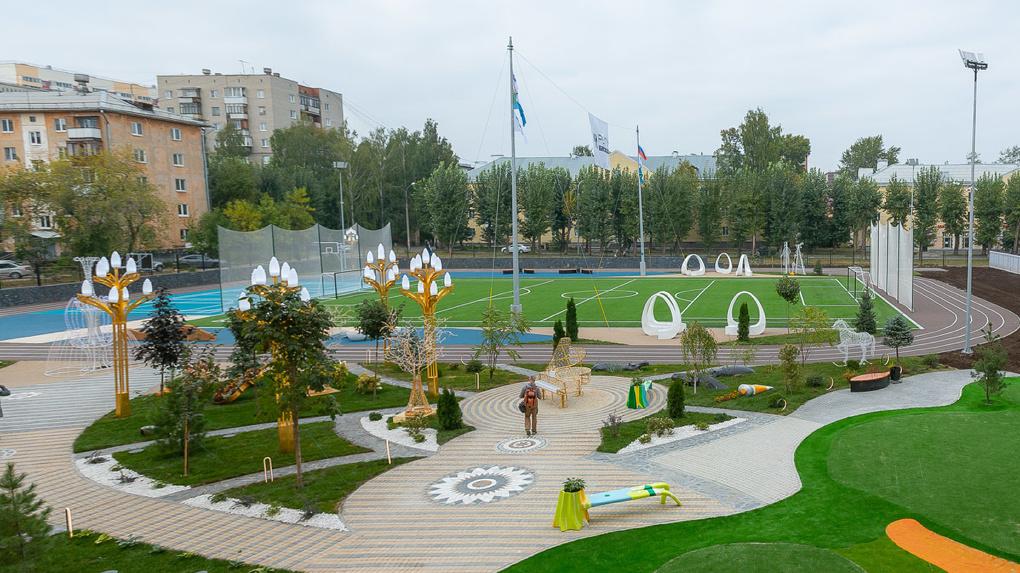 Андрей Симановский презентовал стадион «золотой школы» на Вторчермете. И, да, он тоже золотой
