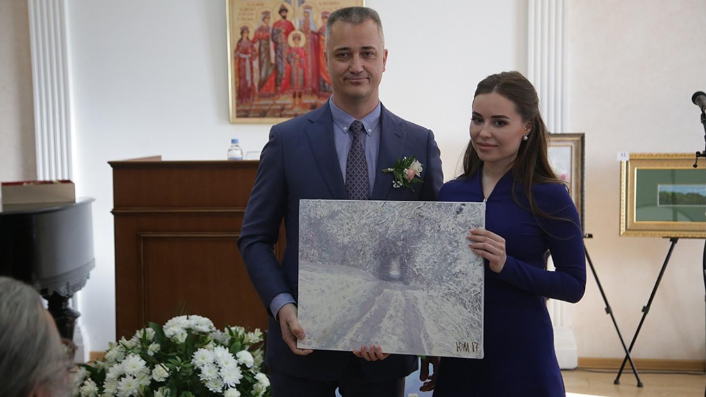 Юлия Михалкова написала картину и уже продала ее на аукционе. Фото