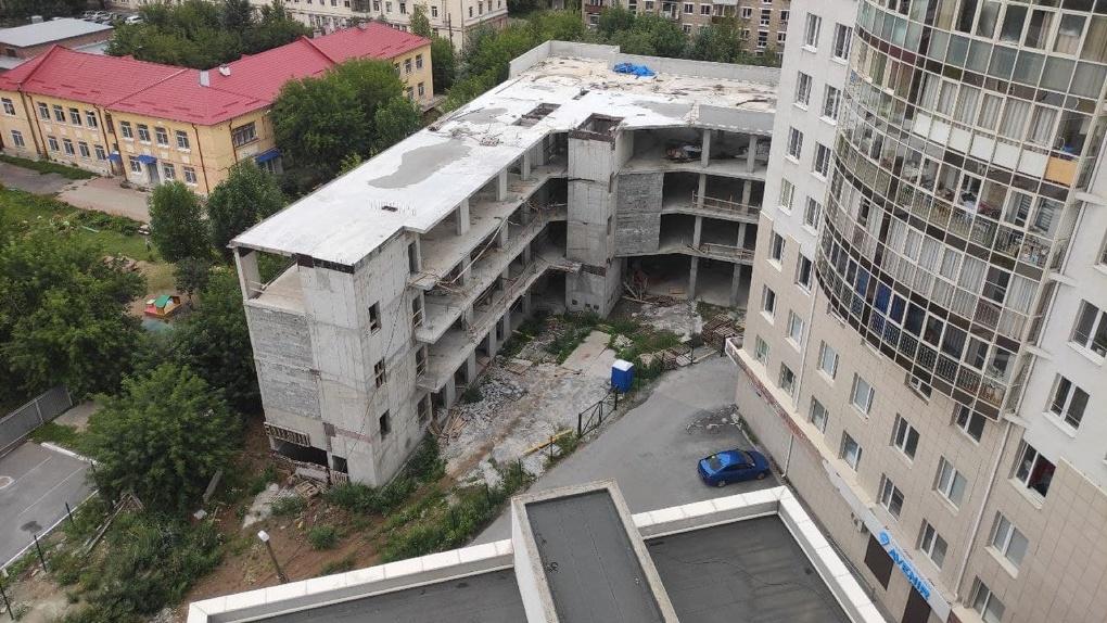 МУГИСО отсудило недостроенный офисник у метро «Динамо» и продает его. Цена вопроса — 51 млн рублей