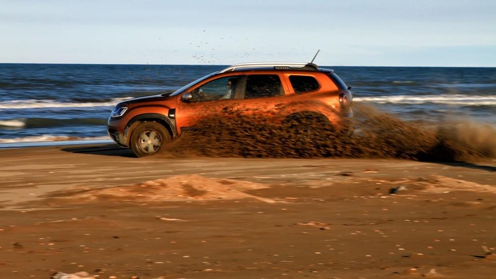 Renault Duster из колхозника попытались превратить в современную машину. Что получилось