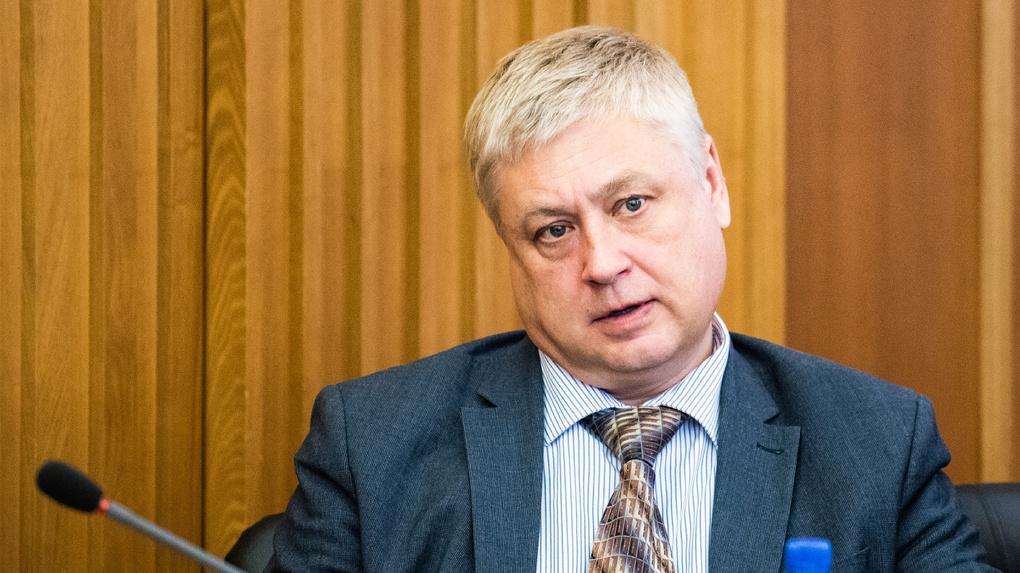 Главу Кировского района, подозреваемого в мошенничестве, отстранили от должности по заявлению ФСБ
