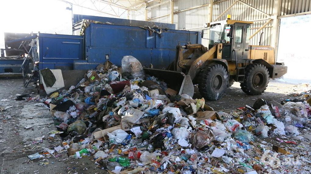 Заксобрание легализовало строительство мусоросжигательных заводов, против которых выступает губернатор