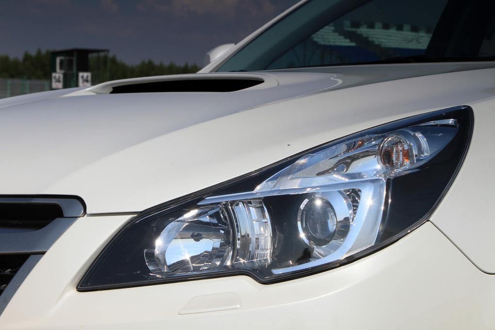 «Легендарный полный»: пытаем Subaru Legacy GT жарой и гоночным треком
