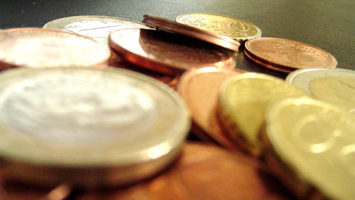 Челиндбанк предлагает подарочные наборы монет из драгоценных металлов