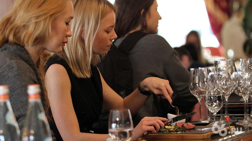 Бары и кафе Екатеринбурга начали рекламировать друг друга, чтобы спасти всю отрасль