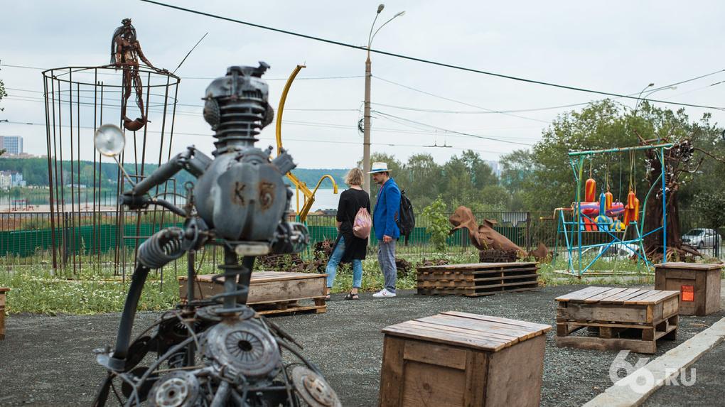 В Екатеринбурге открыли первый на Урале парк современной скульптуры. Фото экспонатов