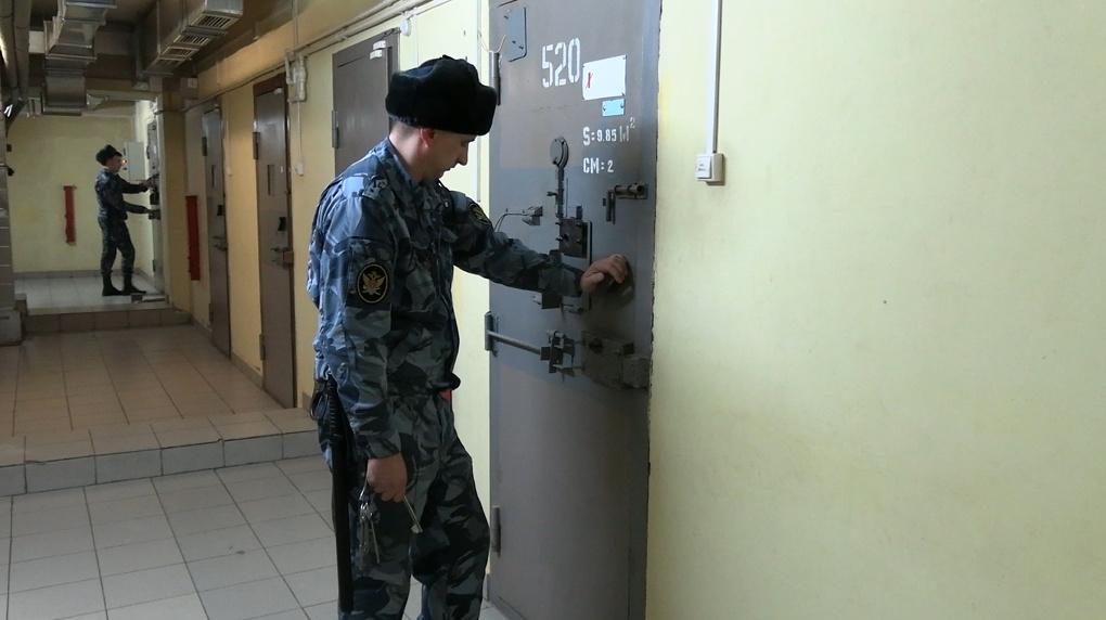 Начальника ИК-46 Невьянска задержали за взятку и отправили в СИЗО