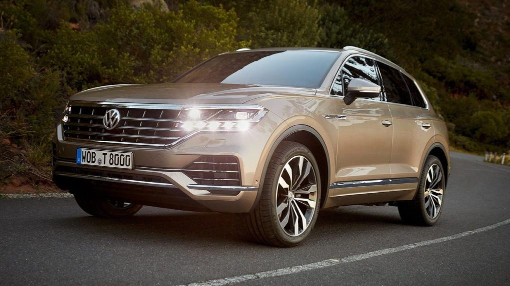 Новый Volkswagen Touareg оказался значительно дешевле Audi Q7. Цены и дата выхода