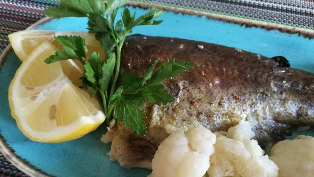 Готовим самую полезную рыбу: гастроэнтеролог на нашей кухне