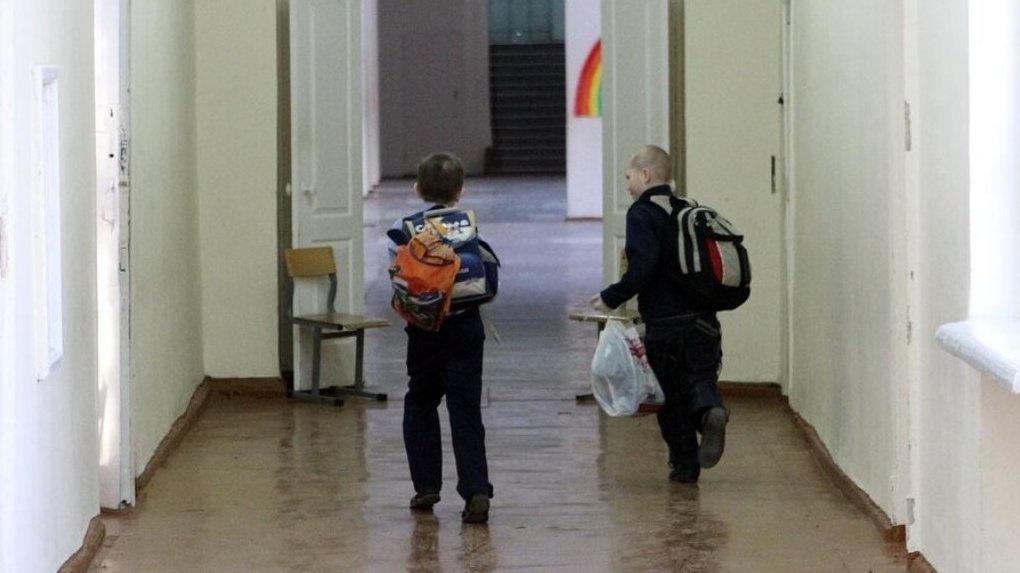 В екатеринбургской школе ребенка с ДЦП оставили без последнего звонка