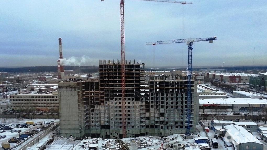 Ипотека с господдержкой не помогла: объемы строительства жилья в России продолжают падать
