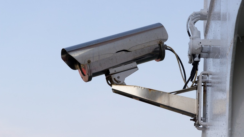 Охранная сигнализация для офиса: тревожная кнопка и видеонаблюдение