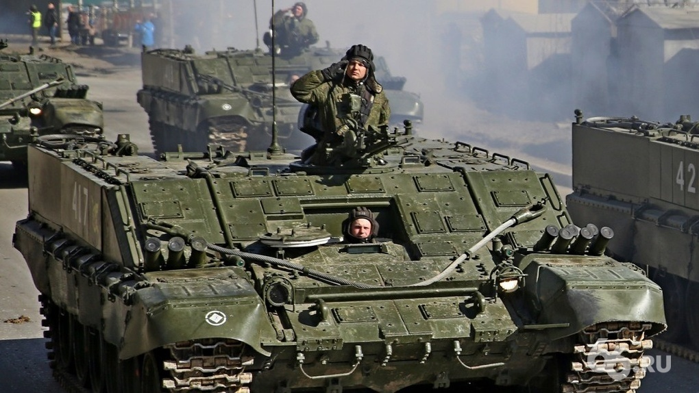Улицы Екатеринбурга закроют из-за репетиции Парада Победы. Подробный график и карты
