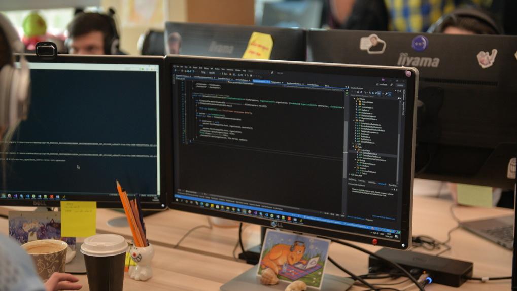 В Екатеринбурге кончились программисты — на рынке более трех тысяч незакрытых вакансий. Как так вышло