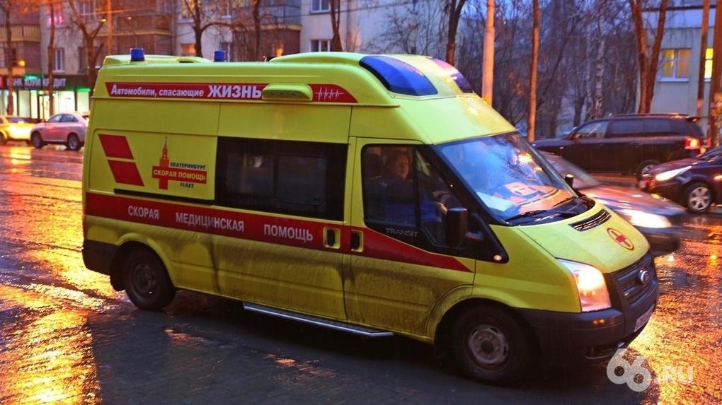 В Екатеринбурге у сотрудника скорой помощи заподозрили коронавирус