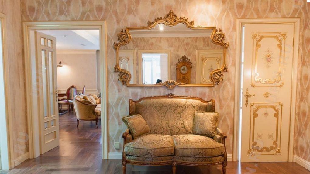 В Екатеринбурге продают «золотой» пентхаус по соседству с домом Евгения Куйвашева. Фото