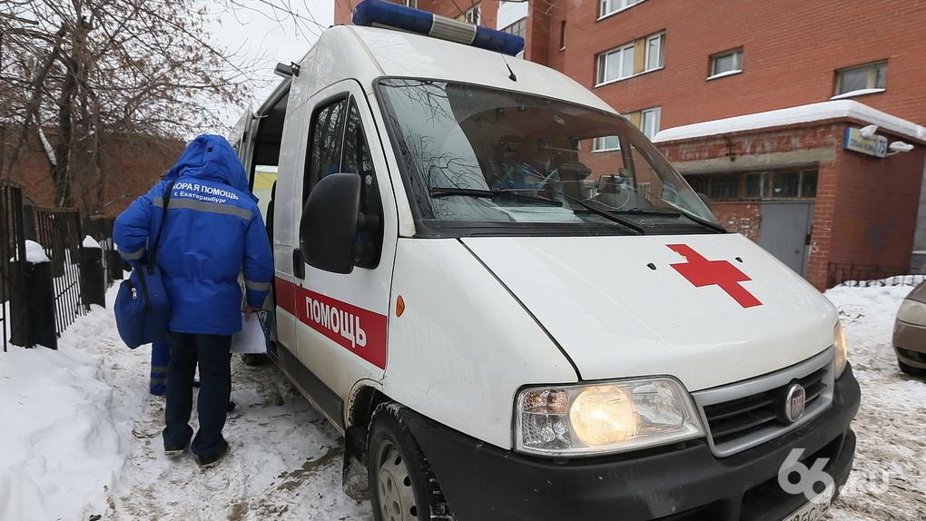 Горздрав ответил на обвинения пациентов, заподозривших диспетчеров скорой в сливе информации похоронщикам